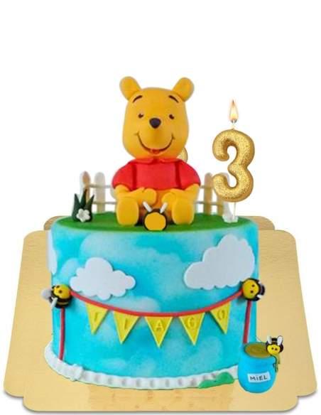 Gâteau Winnie l'ourson à figurine ne pâte d'amande géante vegan, sans gluten